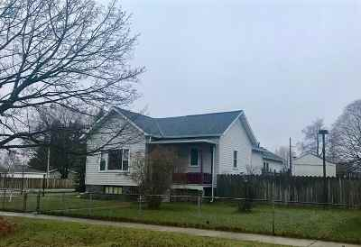 Marinette Single Family Home Active-No Offer: 705 Terrace