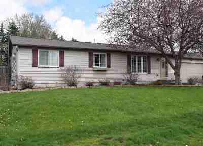 Appleton Single Family Home Active-Offer No Bump: 1374 W Roselawn