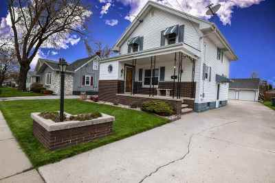 Little Chute Single Family Home Active-Offer No Bump: 524 W McKinley