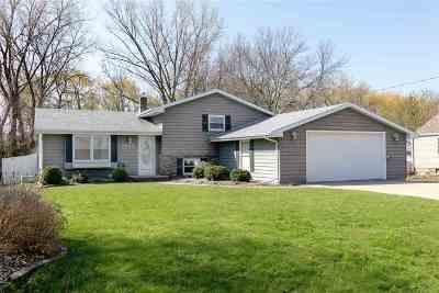 Menasha Single Family Home Active-Offer No Bump: 1449 Manitowoc
