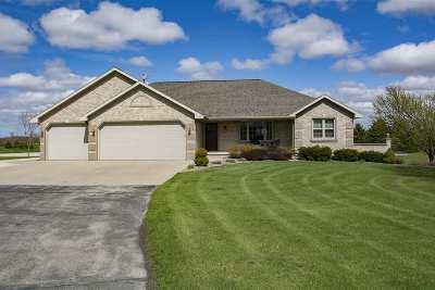 Green Bay Single Family Home Active-Offer No Bump: 4157 Gemstone