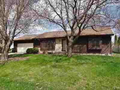 Menasha Single Family Home Active-Offer No Bump: 1283 Harold