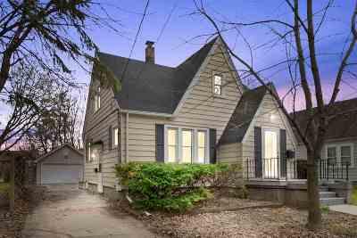 Menasha Single Family Home Active-Offer No Bump: 324 Oak