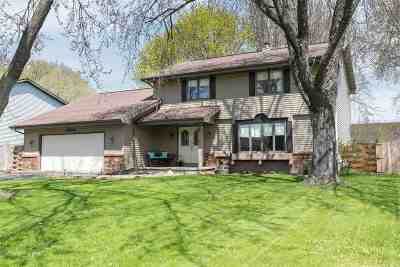 Neenah Single Family Home Active-Offer No Bump: 1060 Westfield