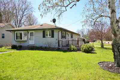 Winneconne Single Family Home Active-Offer No Bump: 230 N 6th