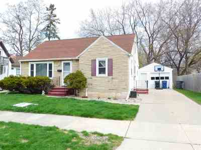Green Bay Single Family Home Active-No Offer: 1339 Mc Cormick