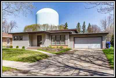Appleton Single Family Home Active-No Offer: 1012 W Marquette
