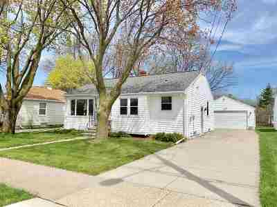 Menasha Single Family Home Active-Offer No Bump: 436 8th
