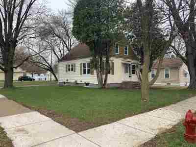 Shawano Single Family Home Active-Offer No Bump: 1017 S Smalley