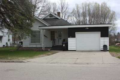 Shawano Single Family Home Active-No Offer: 180 River Heights