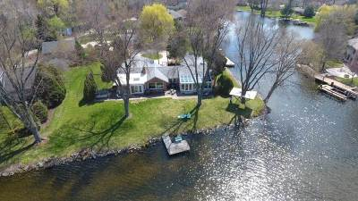 Menasha Single Family Home Active-Offer No Bump: 10 Lake