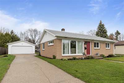 Appleton Single Family Home Active-Offer No Bump: 1600 E Glendale