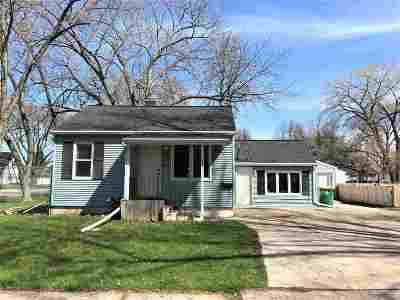 Green Bay Single Family Home Active-No Offer: 1131 S Norwood