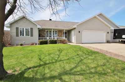 De Pere Single Family Home Active-Offer No Bump: 1132 Jordan