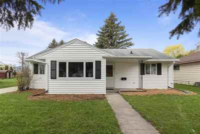 Neenah Single Family Home Active-Offer No Bump: 721 Mitchell