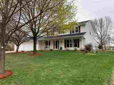 Green Bay Single Family Home Active-Offer No Bump: 1122 Chapel Hill