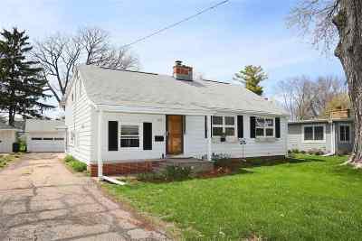Oshkosh Single Family Home Active-Offer No Bump: 1623 Chestnut