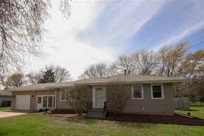 Oshkosh Single Family Home Active-Offer No Bump-Show: 151 S Oakwood