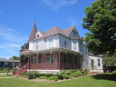 Oconto Single Family Home Active-No Offer: 427 Main