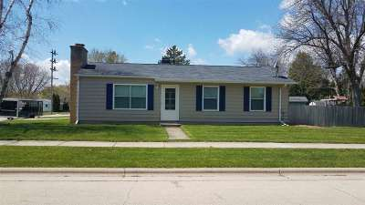 Neenah Single Family Home Active-No Offer: 811 Reed
