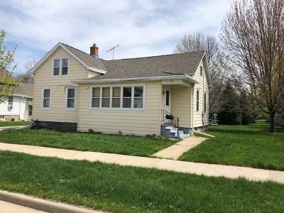 Oshkosh Single Family Home Active-No Offer: 1726 Iowa