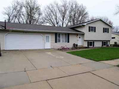 Little Chute Single Family Home Active-Offer No Bump: 152 W Greenfield