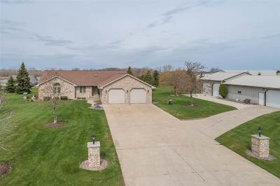 Brown County Single Family Home Active-No Offer: 426 S Ronsman