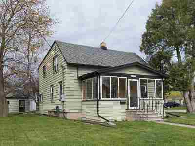 Menasha Single Family Home Active-Offer No Bump: 716 London