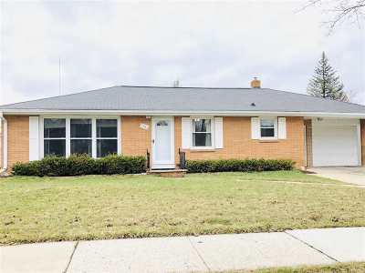 Green Bay Single Family Home Active-No Offer: 1685 Lilac