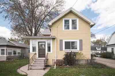 Oshkosh Single Family Home Active-No Offer: 220 Oxford