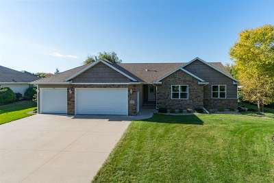 Oshkosh Single Family Home Active-No Offer: 4523 Bellhaven