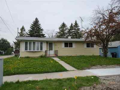 Oshkosh Single Family Home Active-Offer No Bump: 1321 Punhoqua