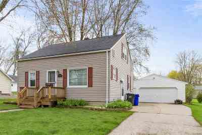 Kaukauna WI Single Family Home Active-Offer No Bump: $123,000