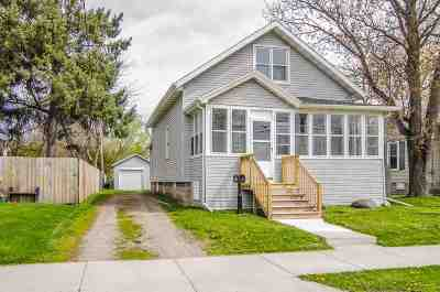 Oshkosh Single Family Home Active-Offer No Bump: 518 E Parkway