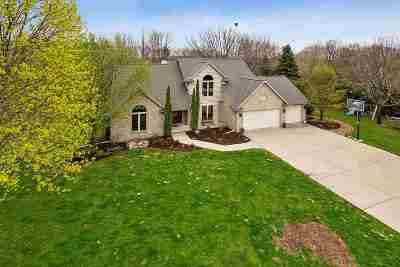 De Pere Single Family Home Active-No Offer: 2226 Birch Creek