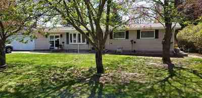 Waupaca Single Family Home Active-Offer No Bump: E1879 Amy