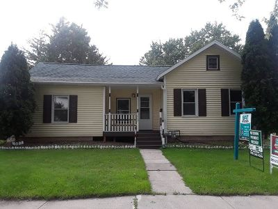 Appleton Single Family Home Active-No Offer: 1403 N Division