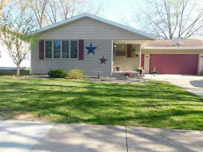 Kaukauna Single Family Home Active-No Offer: 509 Paul