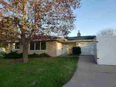 Neenah Single Family Home Active-Offer No Bump-Show: 469 Lowell
