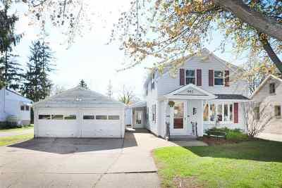 Kaukauna WI Single Family Home Active-Offer No Bump: $159,900