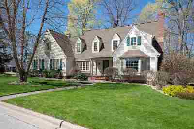 Green Bay Single Family Home Active-No Offer: 1020 Village Green