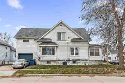 Oshkosh Single Family Home Active-No Offer: 623 E Parkway