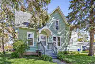 Appleton Multi Family Home Active-No Offer: 702 N Division