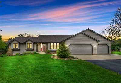 Green Bay Single Family Home Active-Offer No Bump: 2682 Stonegate