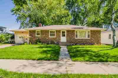 Green Bay Single Family Home Active-No Offer: 1667 Debra
