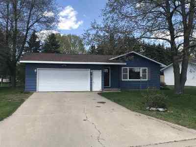 Shawano Single Family Home Active-No Offer: 165 Robin