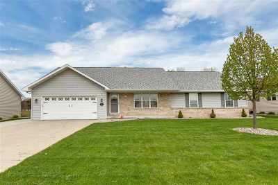 Appleton Single Family Home Active-No Offer: 1306 Fieldview