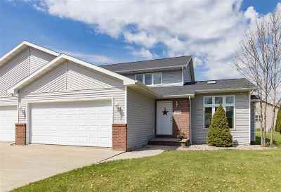 Menasha Single Family Home Active-Offer No Bump-Show: 1114 Stillmeadow