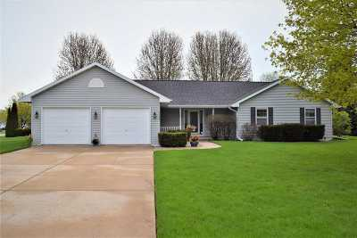 Green Bay Single Family Home Active-Offer No Bump: 1754 Woodberry