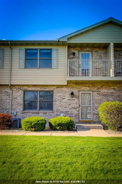Menasha Condo/Townhouse Active-Offer No Bump: 1690 Drum Corps #C